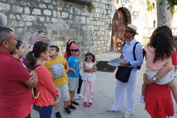 Turističko razgledavanje grada Zadra za azilante